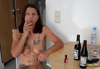 Schlampe Petra Hotel Pleasure 2018 Masturbation in der Küche