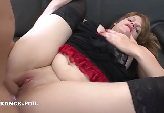 La France A Poil - Pretty Chubby Beautiful Woman Gets Hard
