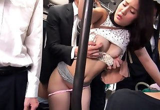 Subtitled alfresco Japanese nudist group jump rope game