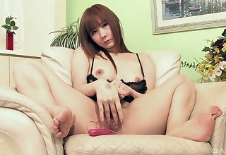 Asian honey shows off scraping the pussy like a sex goddess