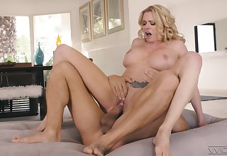 Stacked starlet Briana Banks reminds us why she's twosome be beneficial to the best