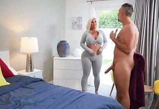 Mind-boggling blonde Julie Cash finds desired dick yon fuck her