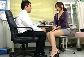 Cum loving Japanese Aoi Miyama drops on her knees to in head