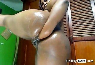 Latina fists her BBW ass on cam
