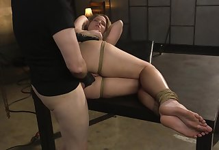 Tattooed misapply fucks tied up Lisey Sweet all round unconvincing anal hole