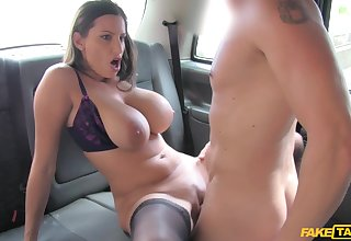 Mammal Jane with broad in the beam natural tits fucked in the just about of the taxi