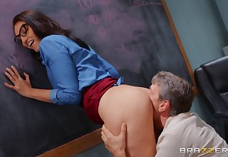 Bella Rolland's perfect pussy is pummeled with reference to her classroom
