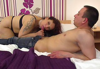 Mature woman, Adelina likes to get fucked in a hotel room, until she starts moaning