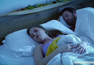 Quickie fucking take an interest in to a sleeping husband - Britney Amber