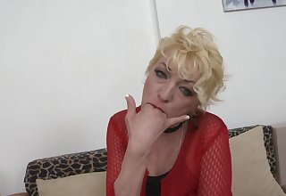 Mature Alisah seduces and fuck a young guy